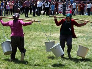 Antalya'da kadınlar yarıştı