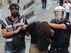 1 Mayıs'ta gözaltına alınanlar adliyeye sevk edildi