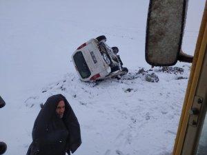Karda kaza yapan vatandaşların yardımına Bağlar Belediyesi ekipleri koştu