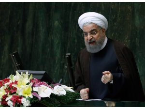 """Ruhani: """"Eğer terörist Trump'ın uyguladığı yaptırımlar olmasaydı korona virüs aşısına daha erken ulaşacaktık"""""""
