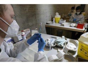 Almanya'da son 24 saatte korona virüsten bin 13 ölüm