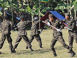 Filipinler'de saldırı ölümlerle sonuçlandı