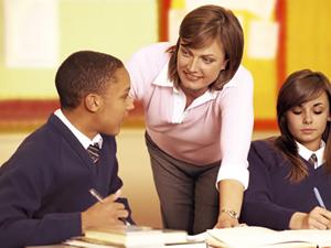 Öğrenciler öğretmeni zehirlemeye çalıştı
