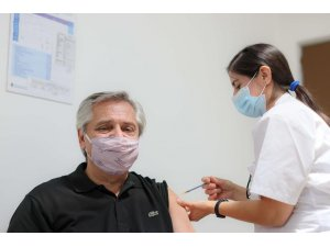 Arjantin Devlet Başkanı Fernandez'e Sputnik V aşısı yapıldı
