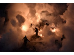 Gümüşhane'de bir apartmanın çatı katında korkutan yangın