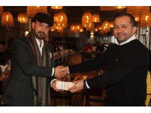 İş adamı Konakçı, söz verdiği 100 bin TL yardımın 20 bin TL'sini Fethiyespor'a verdi