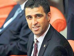 Hakan Şükür'e Twitter'dan tepki