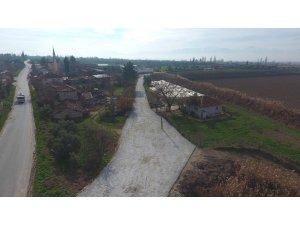 Toprak yollar kilit parke taşıyla kaplandı