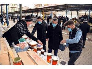 İscehisar'da belediye ekipleri pazarda hijyen denetimi yaptı
