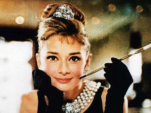 Audrey Hepburn Doodle oldu
