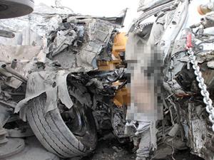Hamile kadına önce araba sonra kamyon çarptı