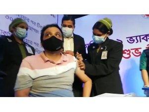 Bangladeş'te Covid-19 aşılaması başladı