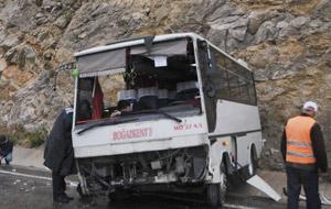 Antalya'da yağmurla gelen kazalar: 28 yaralı