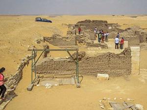 Mısır'da 3100 yıllık mezar bulundu