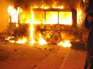 Ukrayna'da emniyet güçleri ve ayrılıkçılar çatışıyor