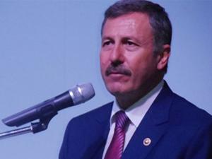 AK Partili vekil Selçuk Özdağı utandıran görüntü