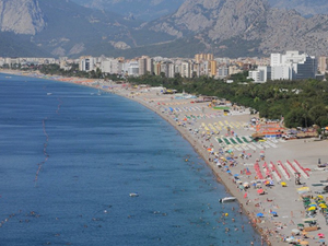 AK Parti'ye Konyaaltı sahili engeli