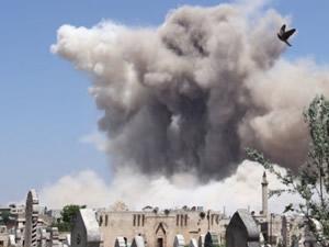 Suriye'de füze saldırısı: 13 ölü,
