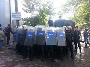 Polis Soma'da göstericilere müdahale etti