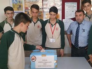 Liseliler Soma'ya yardım ediyor