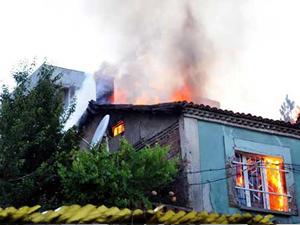 Soma'daki 2 evde yangın çıktı