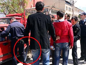 Satırlı kavgayı polis güçlükle ayırdı