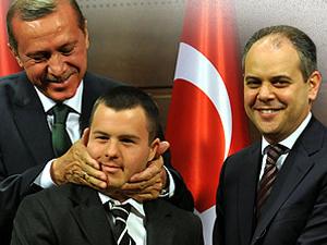 Başbakan Erdoğan'dan savcılara Yılmaz Özdil çağrısı