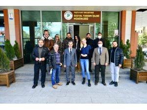 Başkan Çınar, sanatçıları doğal ürünler pazarında ağırladı