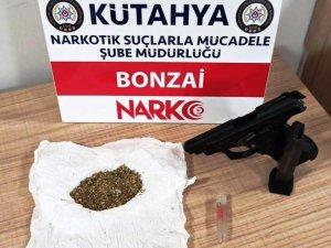 Kütahya'da bir zanlının evinde uyuşturucu ele geçirildi