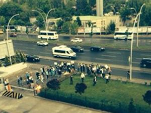 Beyaz TV eşliğinde Hürriyet'e saldırı!