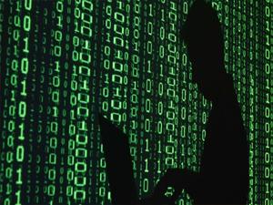 FBİ, 100 Hacker'i tutukladı