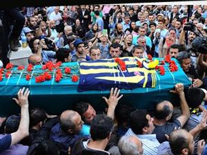 Cenazede slogan atan provokatörlere büyük şok!