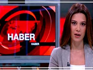 CNN Türk canlı yayınında deprem anı