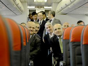 Maliye Bakanı Mehmet Şimşek'in uçağına yıldırım çarptı!