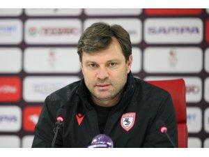 """Ertuğrul Sağlam: """"Kaldı 11 maç"""""""