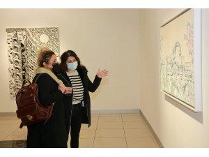 """Pandeminin sanatçılara yansıması """"Yeniden"""" sergisiyle sanatseverlerin beğenisine sunuldu"""