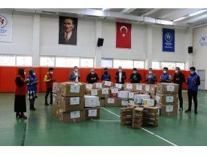 Karaman Gençlik Merkezi'nden İdlib'deki çocuklara yardım