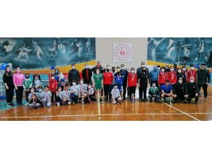 Yunusemreli badmintoncuardan 13 madalya
