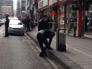 Şüpheli paket ekipleri harekete geçirdi, cadde yaya ve araç trafiğine kapatıldı