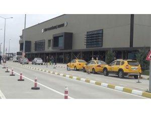Sinop Havaalanı'ndaki işletmeciler, kira bedellerindeki iptal ve indirimi sevinçle karşıladı