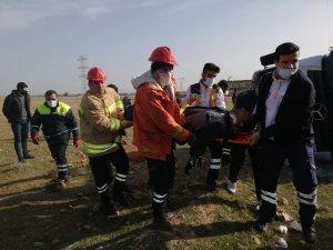 Mardin'de beton mikseri devrildi: 2 yaralı