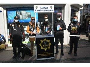 Ayvalık'ta narkotik ekiplerinden vatandaşlara brifing