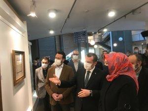 Zeytinburnu'nda tezhip ve minyatür sergisi açıldı