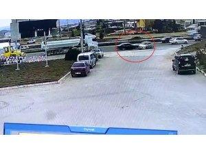 Kırıkkale'de kaza anı kameraya yansıdı
