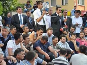 Kaymakam Soma'da işçileri sakinleştirdi
