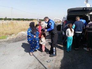Mersin polisi çocukları sevindirdi