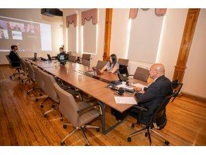 Başkan Soyer turistlere güvence verdi