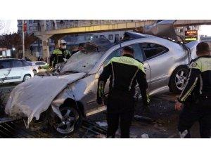 Diyarbakır'da feci kaza: 2'si ağır 3 yaralı