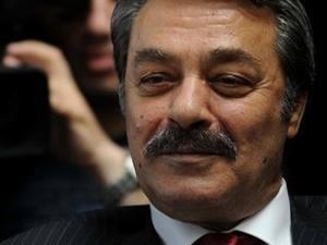 """Kadir İnanır: """"CHP'nin tek kurtuluşu var"""""""