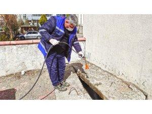 Kahramanmaraş'ta sivrisineklerin üreme alanları ilaçlanıyor